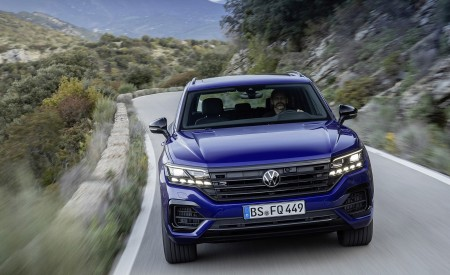 2021 Volkswagen Touareg R Plug-In Hybrid Front Wallpapers 450x275 (5)