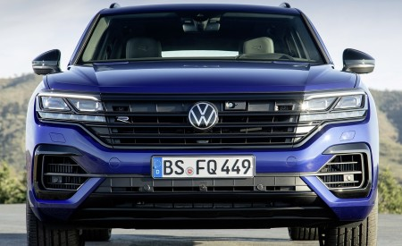 2021 Volkswagen Touareg R Plug-In Hybrid Front Wallpapers 450x275 (21)