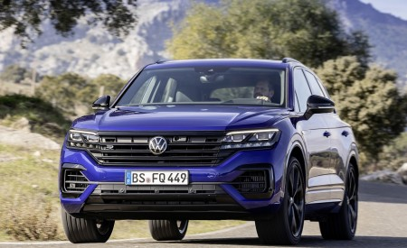 2021 Volkswagen Touareg R Plug-In Hybrid Front Wallpapers 450x275 (14)
