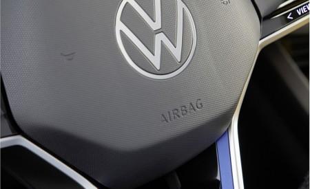 2021 Volkswagen Touareg R Plug-In Hybrid Interior Steering Wheel Wallpapers 450x275 (55)