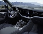2021 Volkswagen Touareg R Plug-In Hybrid Interior Wallpapers 150x120 (46)