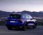 2021 Volkswagen Touareg R Plug-In Hybrid Rear Three-Quarter Wallpapers 150x120 (29)