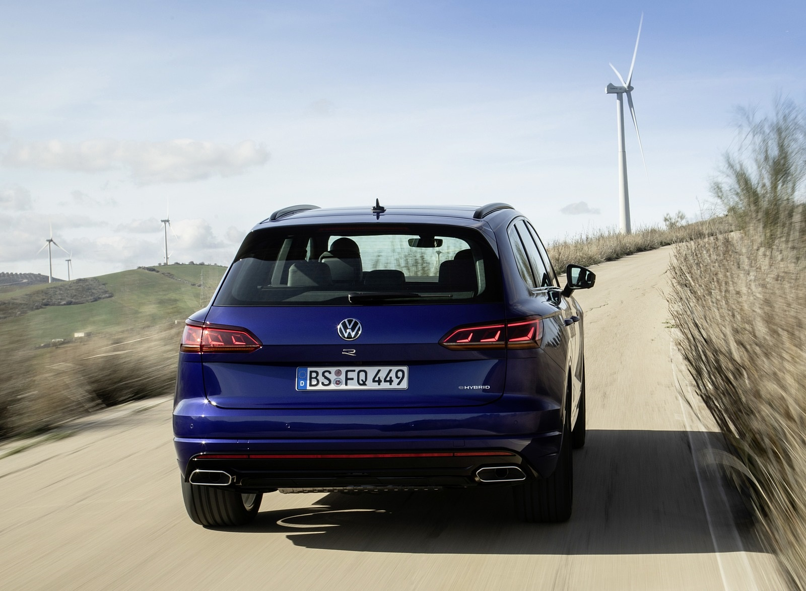 2021 Volkswagen Touareg R Plug-In Hybrid Rear Wallpapers (8)