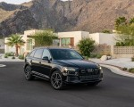 2020 Audi Q7 (US-Spec) Front Three-Quarter Wallpapers 150x120 (42)