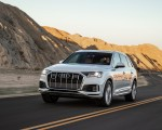 2020 Audi Q7 (US-Spec) Front Three-Quarter Wallpapers 150x120 (3)