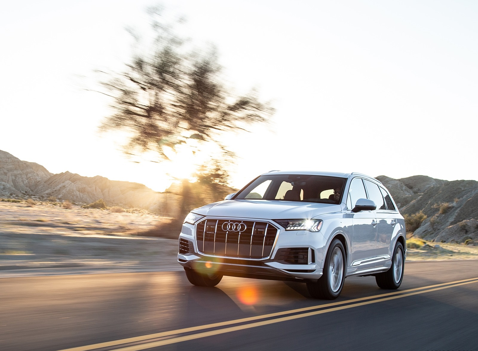 2020 Audi Q7 (US-Spec) Front Three-Quarter Wallpapers (6)