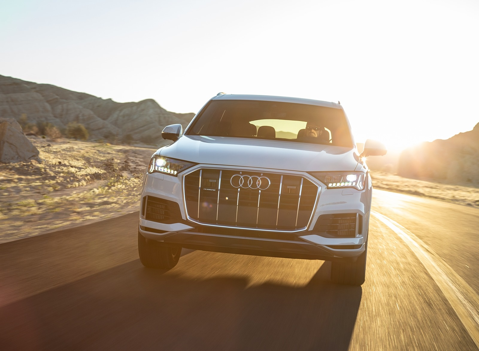 2020 Audi Q7 (US-Spec) Front Wallpapers (8)