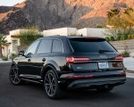 2020 Audi Q7 (US-Spec) Rear Three-Quarter Wallpapers 150x120 (44)