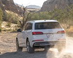 2020 Audi Q7 (US-Spec) Rear Three-Quarter Wallpapers 150x120 (18)
