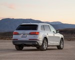 2020 Audi Q7 (US-Spec) Rear Three-Quarter Wallpapers 150x120 (19)