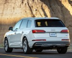 2020 Audi Q7 (US-Spec) Rear Three-Quarter Wallpapers 150x120 (10)