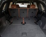 2020 Audi Q7 (US-Spec) Trunk Wallpapers 150x120 (38)