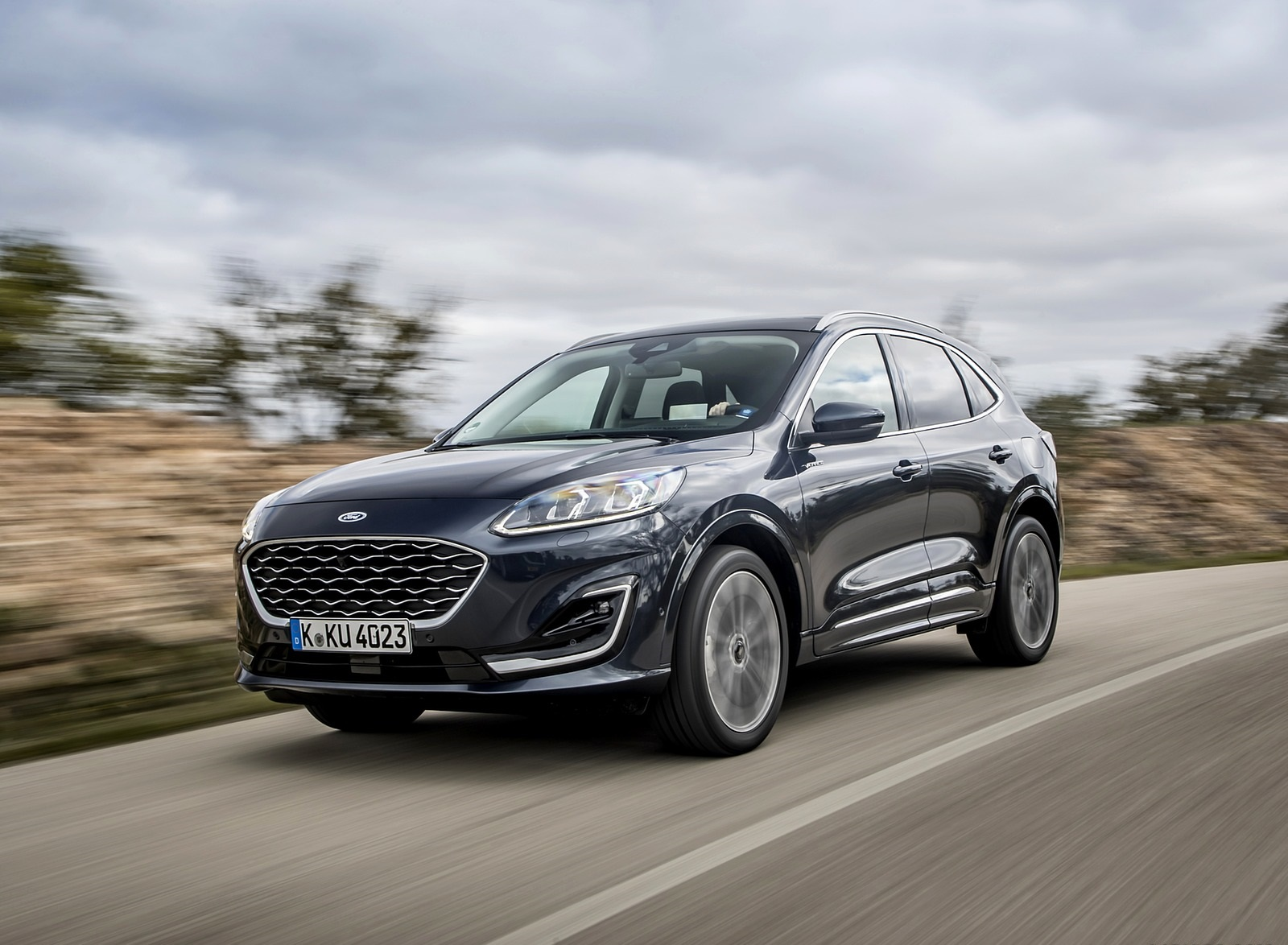 2020 Ford Kuga Hybrid Vignale Front Three-Quarter Wallpapers (1)