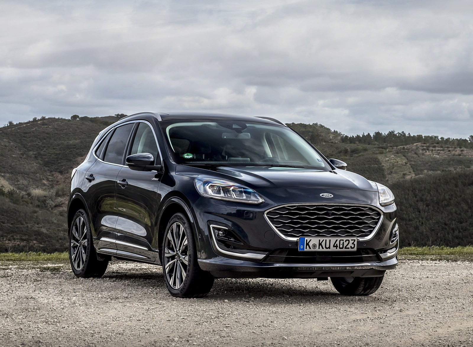 2020 Ford Kuga Hybrid Vignale Front Three-Quarter Wallpapers (7)