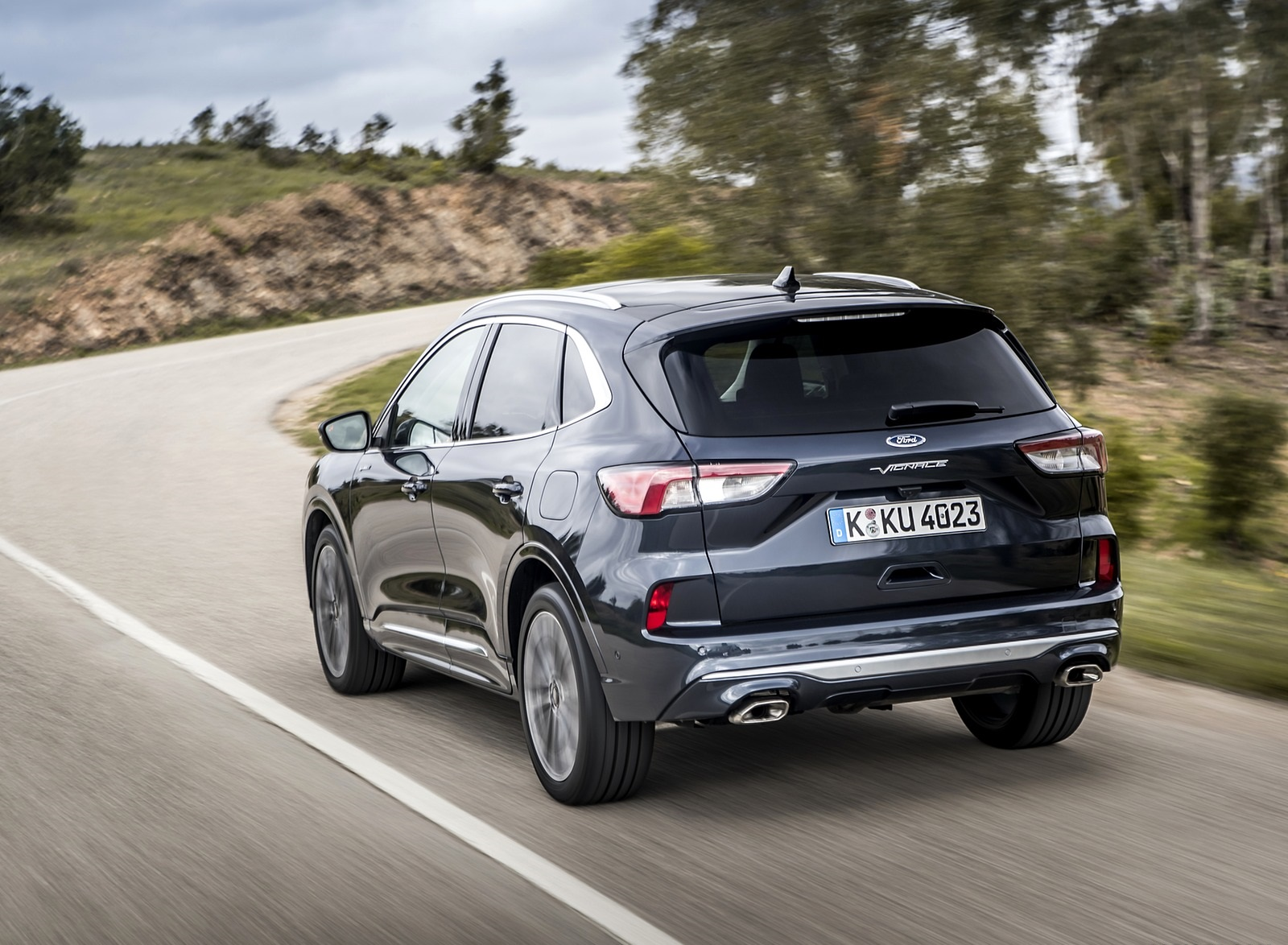 2020 Ford Kuga Hybrid Vignale Rear Three-Quarter Wallpapers (3)