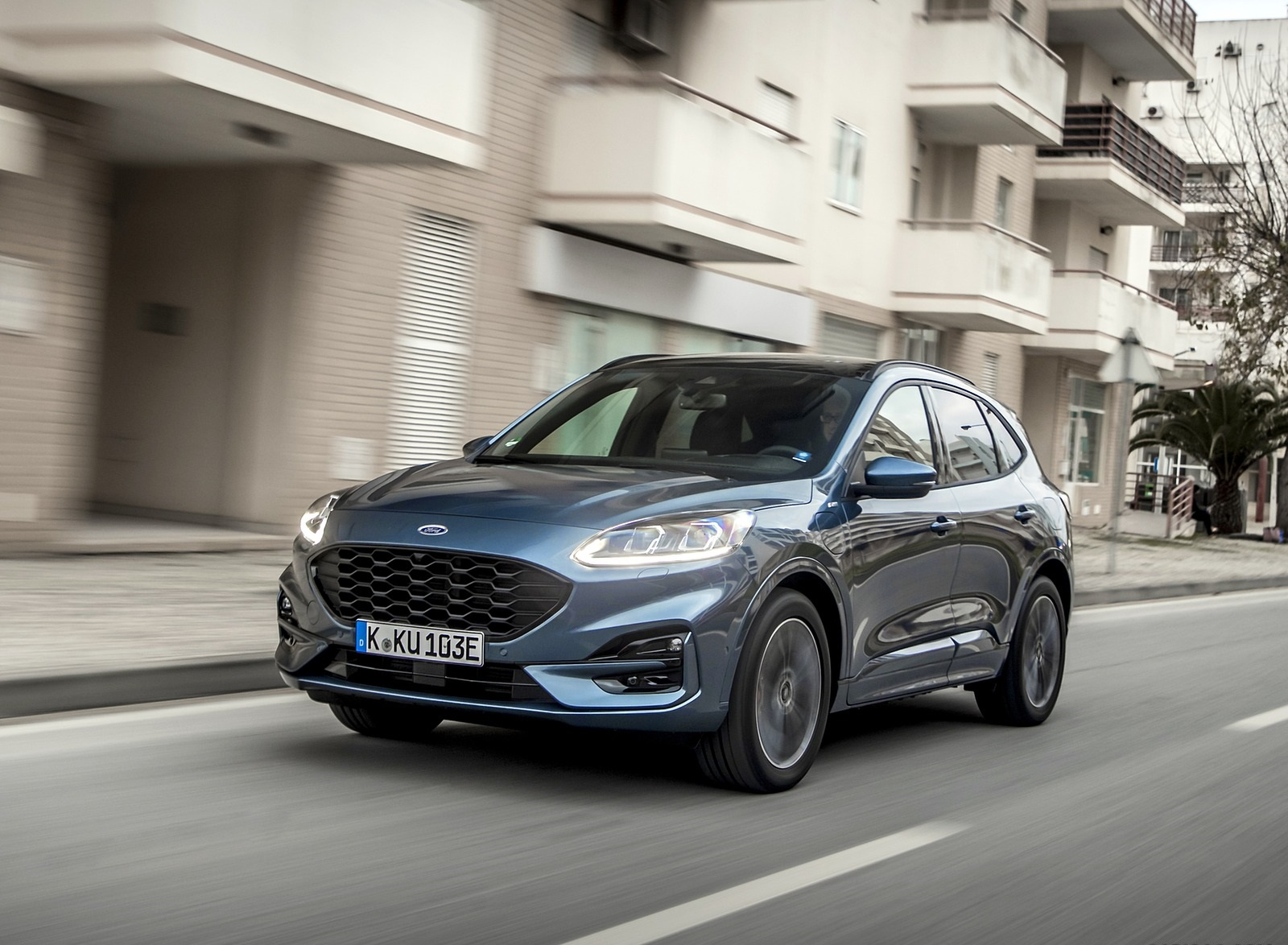 2020 Ford Kuga Plug-In Hybrid ST-Line Front Three-Quarter Wallpapers (4)