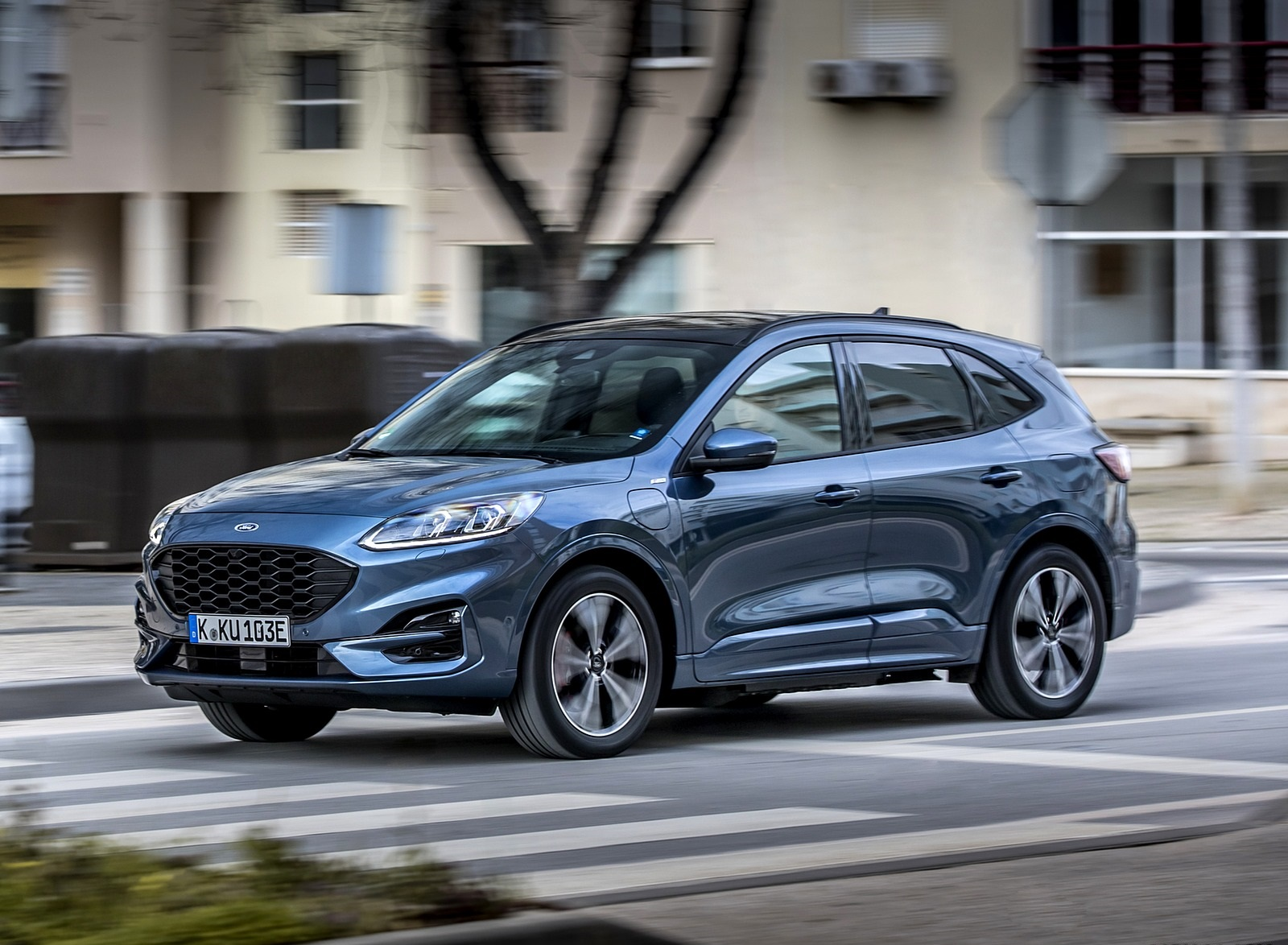 2020 Ford Kuga Plug-In Hybrid ST-Line Front Three-Quarter Wallpapers (5)