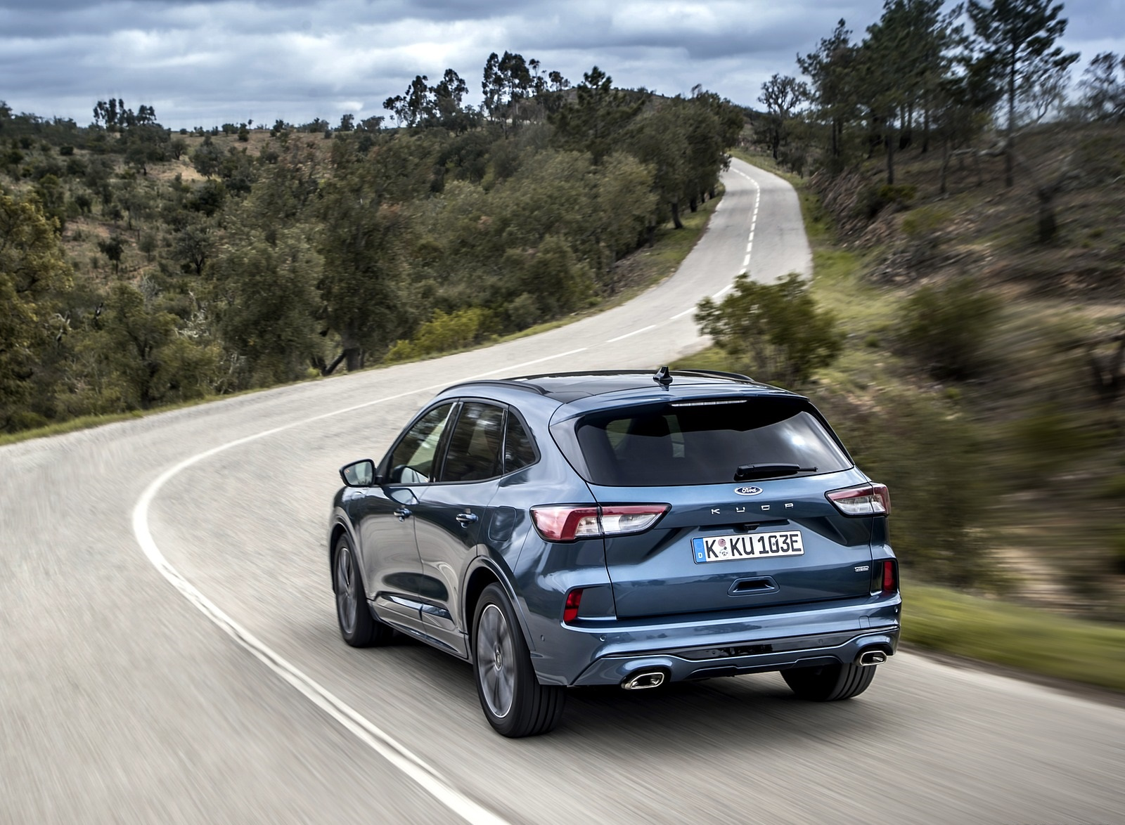 2020 Ford Kuga Plug-In Hybrid ST-Line Rear Three-Quarter Wallpapers (2)