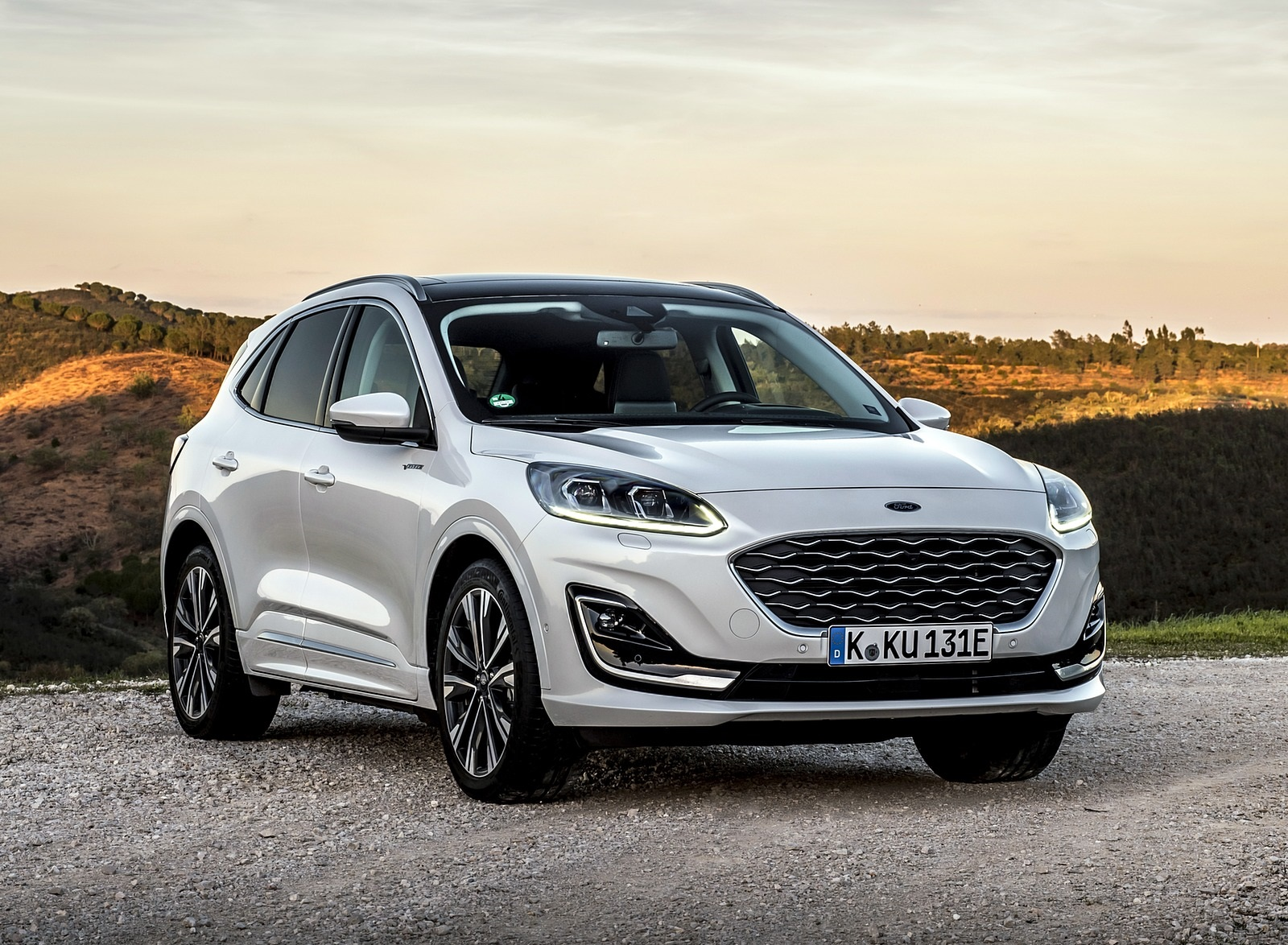 2020 Ford Kuga Plug-In Hybrid Vignale Front Three-Quarter Wallpapers (7)