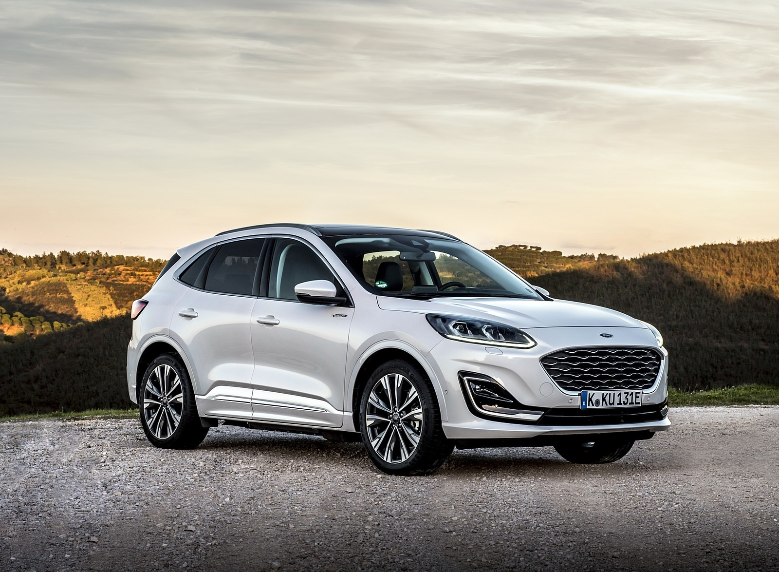 2020 Ford Kuga Plug-In Hybrid Vignale Front Three-Quarter Wallpapers (8)