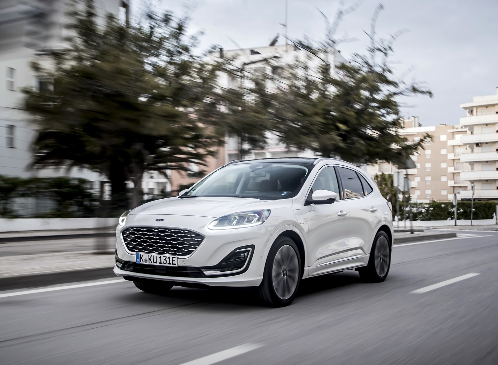 2020 Ford Kuga Plug-In Hybrid Vignale Front Three-Quarter Wallpapers (1)