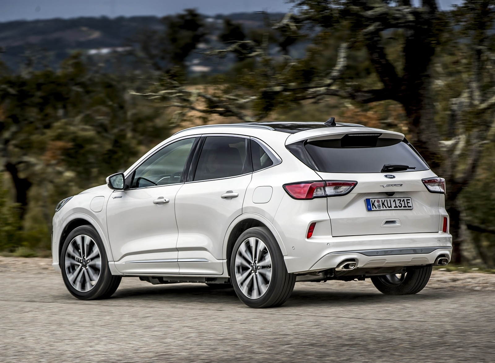2020 Ford Kuga Plug-In Hybrid Vignale Rear Three-Quarter Wallpapers (4)