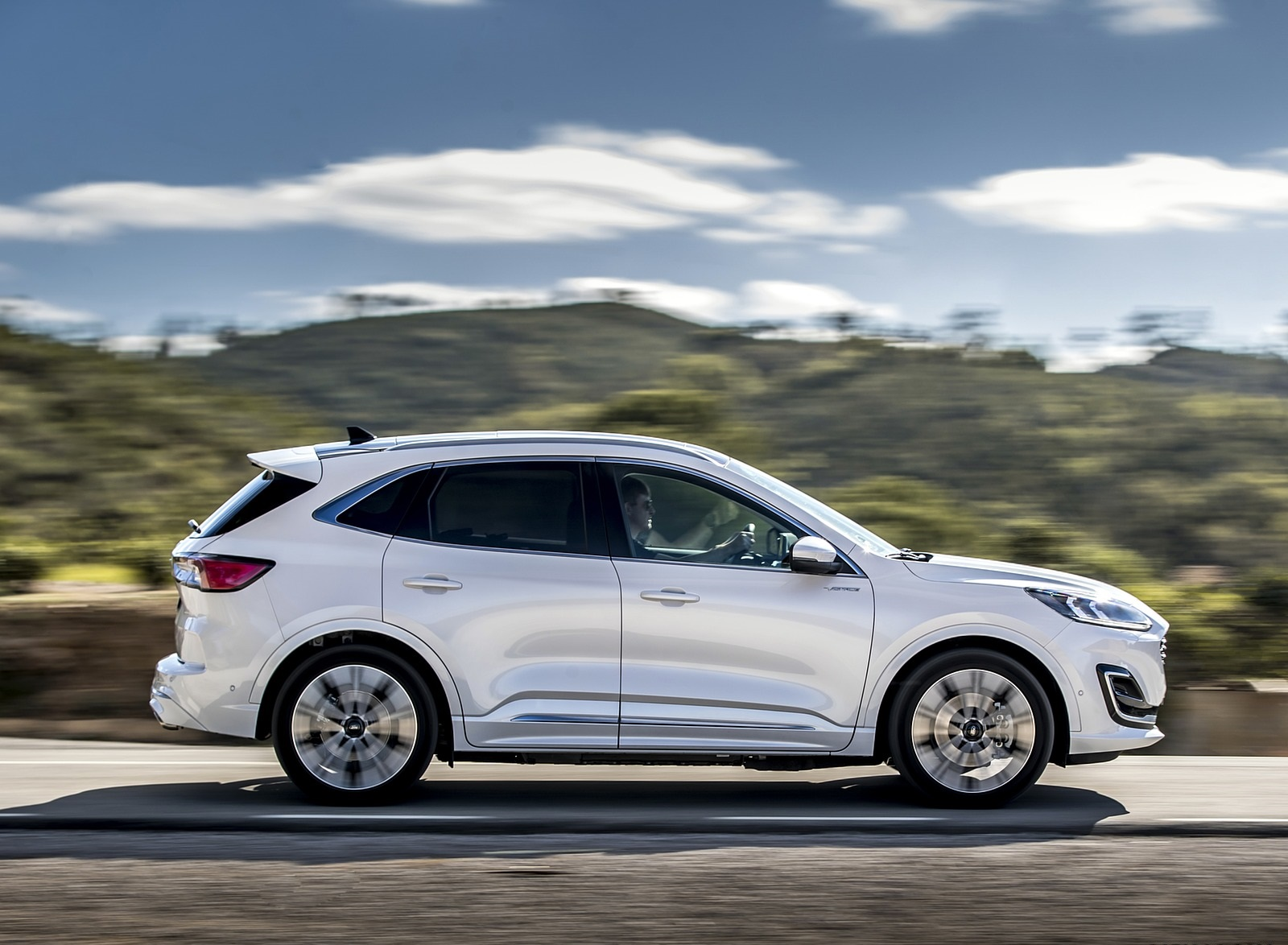2020 Ford Kuga Plug-In Hybrid Vignale Side Wallpapers (2)