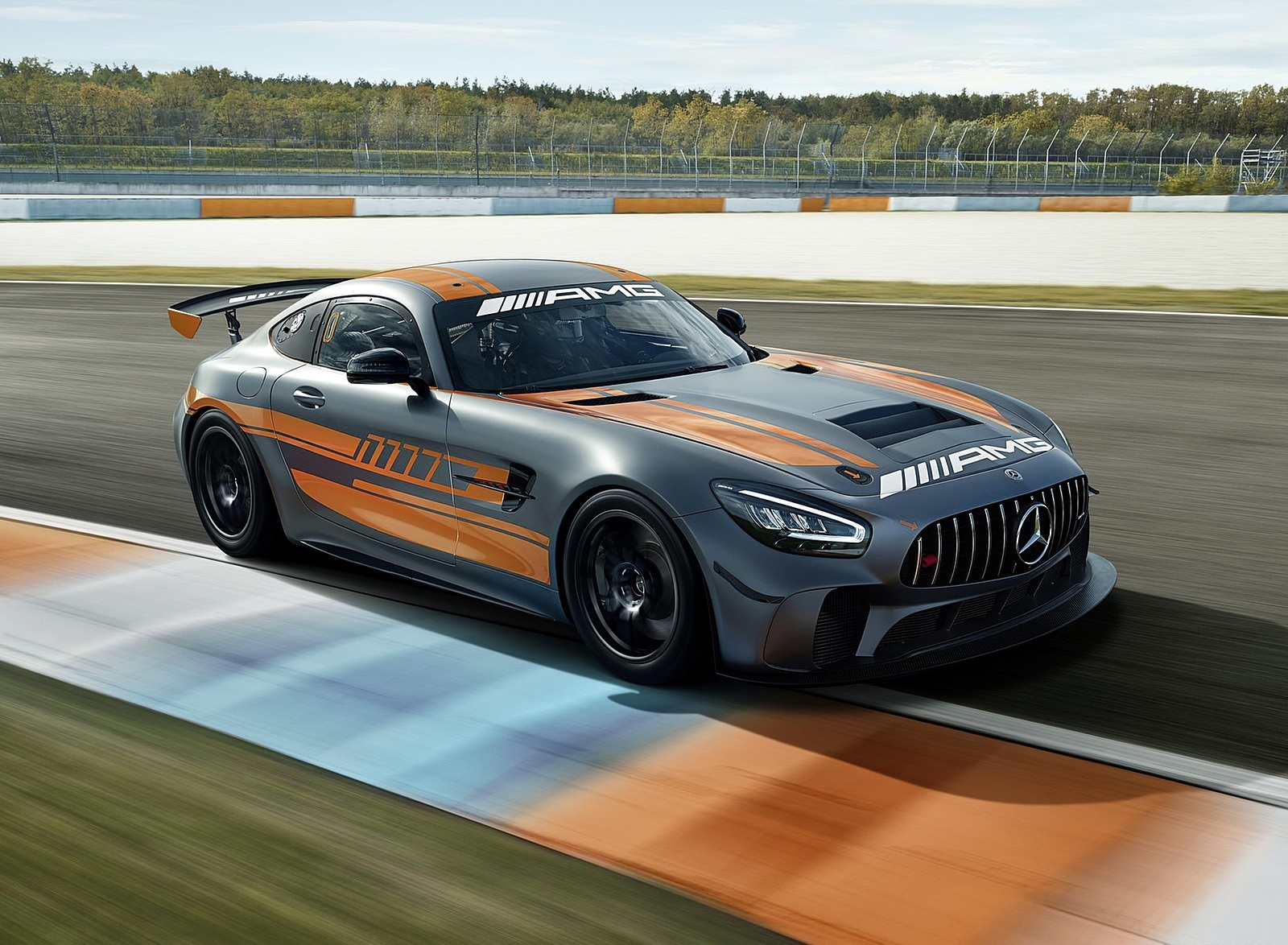 2020 Mercedes-AMG GT4 Front Three-Quarter Wallpapers (2)
