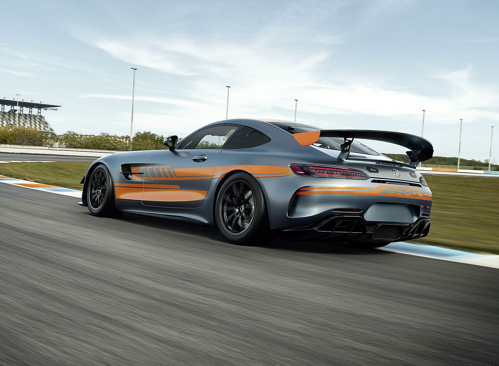 2020 Mercedes-AMG GT4 Rear Three-Quarter Wallpapers (4)