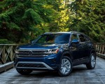 2020 Volkswagen Atlas Cross Sport SE with Technology (Color: Tourmaline Blue) Front Three-Quarter Wallpapers 150x120 (7)