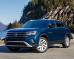 2020 Volkswagen Atlas Cross Sport SE with Technology (Color: Tourmaline Blue) Front Three-Quarter Wallpapers 150x120 (8)