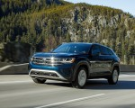 2020 Volkswagen Atlas Cross Sport SE with Technology (Color: Tourmaline Blue) Front Three-Quarter Wallpapers 150x120 (3)