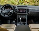 2020 Volkswagen Atlas Cross Sport SE with Technology (Color: Tourmaline Blue) Interior Cockpit Wallpapers 150x120 (20)