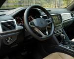 2020 Volkswagen Atlas Cross Sport SE with Technology (Color: Tourmaline Blue) Interior Wallpapers 150x120 (19)