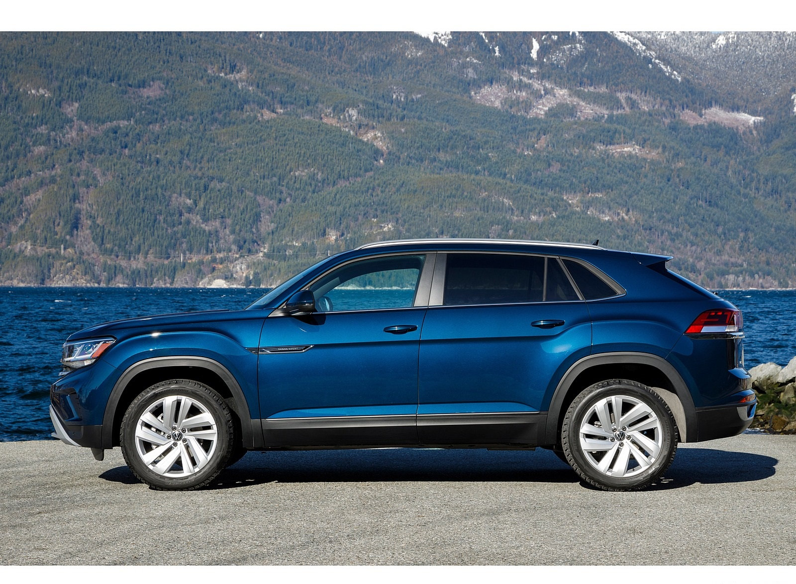 2020 Volkswagen Atlas Cross Sport Se With Technology Color Tourmaline Blue Side Wallpapers 13 Newcarcars
