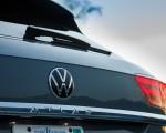2020 Volkswagen Atlas Cross Sport SEL Premium R Line (Color: Pure Gray) Badge Wallpapers 150x120 (34)