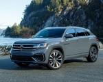 2020 Volkswagen Atlas Cross Sport SEL Premium R Line (Color: Pure Gray) Front Three-Quarter Wallpapers 150x120 (19)