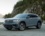 2020 Volkswagen Atlas Cross Sport SEL Premium R Line (Color: Pure Gray) Front Three-Quarter Wallpapers 150x120 (16)