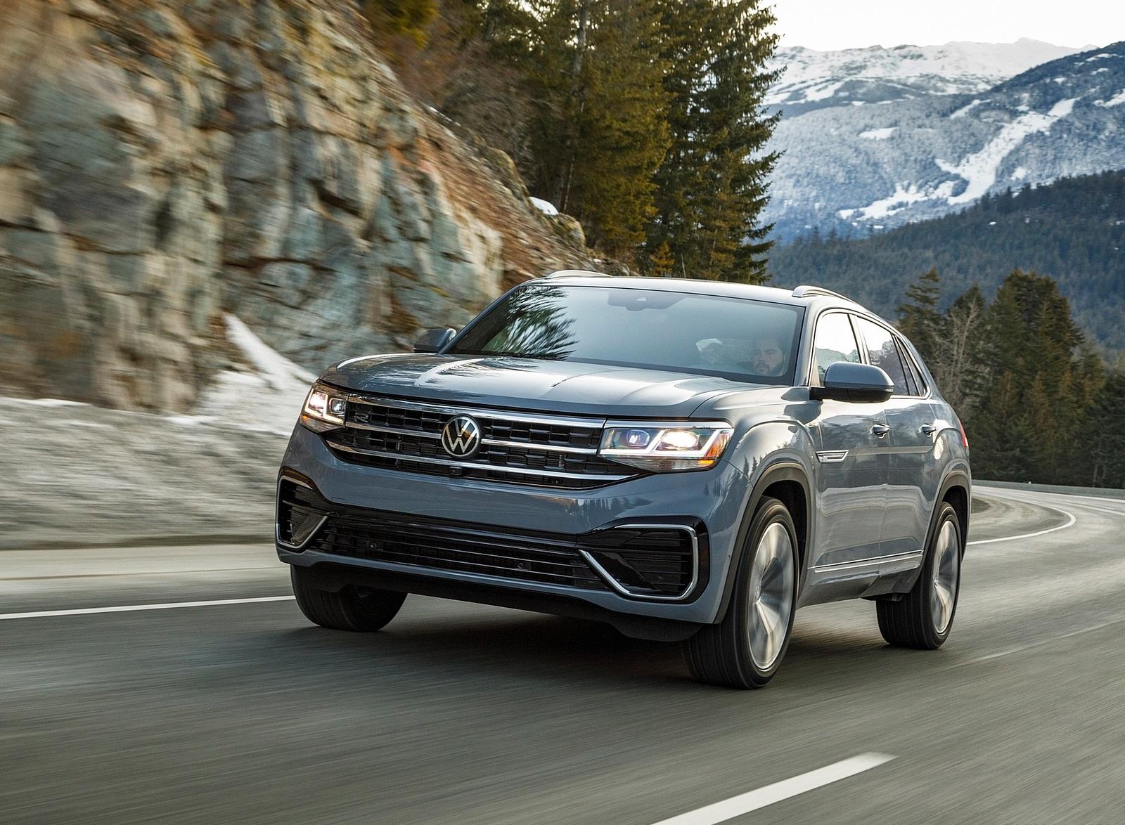 2020 Volkswagen Atlas Cross Sport SEL Premium R Line (Color: Pure Gray) Front Three-Quarter Wallpapers (4)