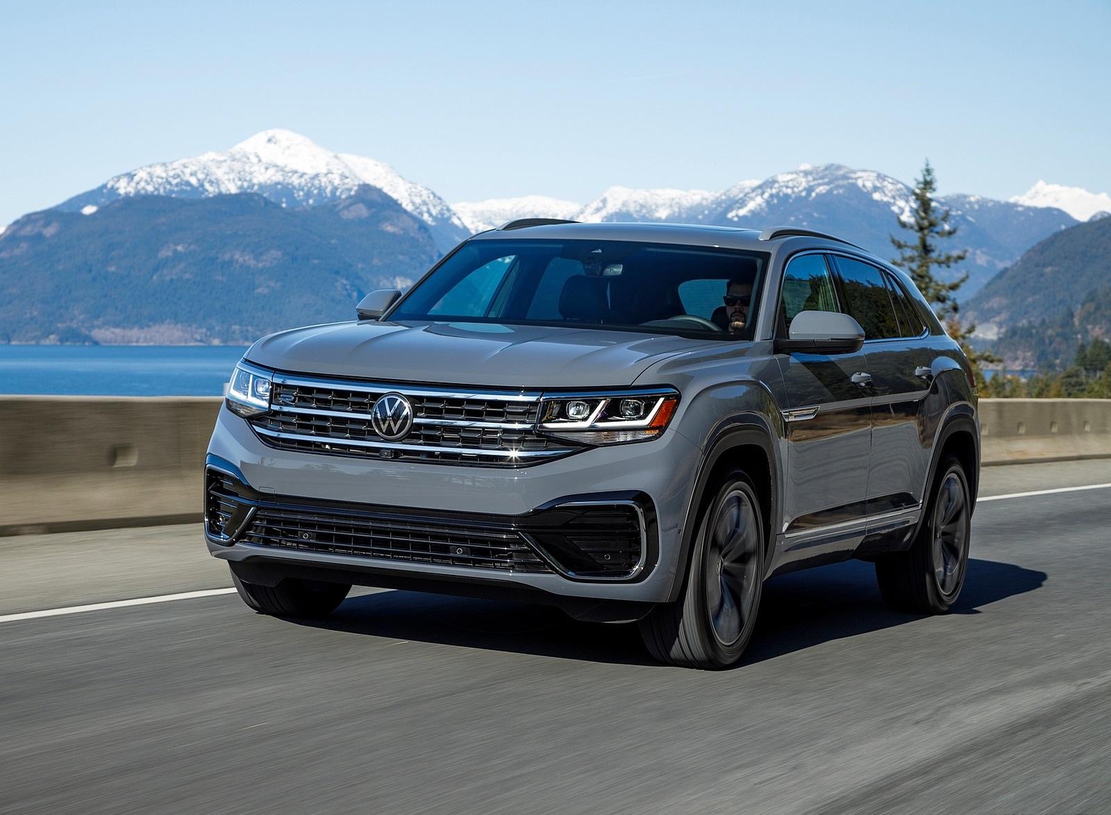 2020 Volkswagen Atlas Cross Sport SEL Premium R Line (Color: Pure Gray) Front Three-Quarter Wallpapers (1)