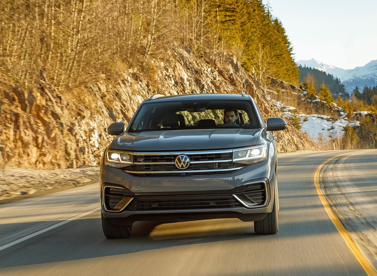 2020 Volkswagen Atlas Cross Sport SEL Premium R Line (Color: Pure Gray) Front Wallpapers (10)