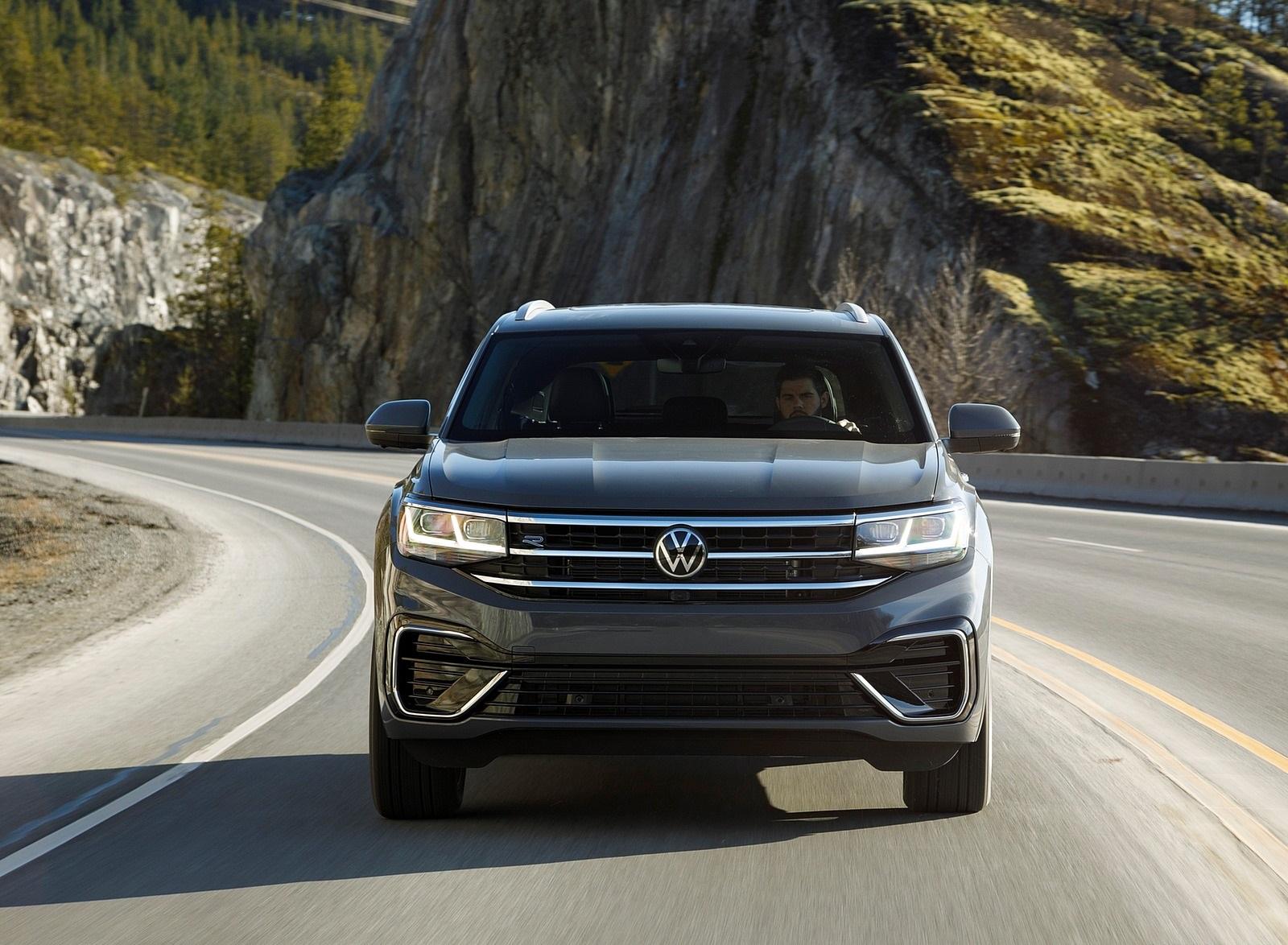 2020 Volkswagen Atlas Cross Sport SEL Premium R Line (Color: Pure Gray) Front Wallpapers (6)