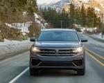 2020 Volkswagen Atlas Cross Sport SEL Premium R Line (Color: Pure Gray) Front Wallpapers 150x120 (2)