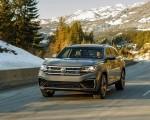 2020 Volkswagen Atlas Cross Sport SEL Premium R Line (Color: Pure Gray) Front Wallpapers 150x120 (11)