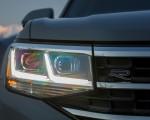 2020 Volkswagen Atlas Cross Sport SEL Premium R Line (Color: Pure Gray) Headlight Wallpapers 150x120 (30)