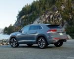 2020 Volkswagen Atlas Cross Sport SEL Premium R Line (Color: Pure Gray) Rear Three-Quarter Wallpapers 150x120 (23)