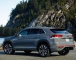 2020 Volkswagen Atlas Cross Sport SEL Premium R Line (Color: Pure Gray) Rear Three-Quarter Wallpapers 150x120 (21)