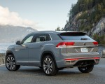 2020 Volkswagen Atlas Cross Sport SEL Premium R Line (Color: Pure Gray) Rear Three-Quarter Wallpapers 150x120 (22)
