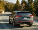 2020 Volkswagen Atlas Cross Sport SEL Premium R Line (Color: Pure Gray) Rear Three-Quarter Wallpapers 150x120 (13)