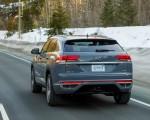 2020 Volkswagen Atlas Cross Sport SEL Premium R Line (Color: Pure Gray) Rear Three-Quarter Wallpapers 150x120 (7)